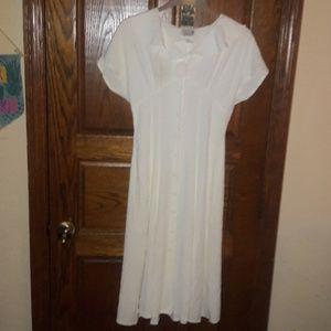 SCARLETT Crepe Off White Dress, Size 11